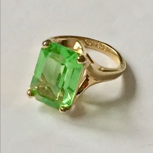 Vintage 18k plated gold green stone ring